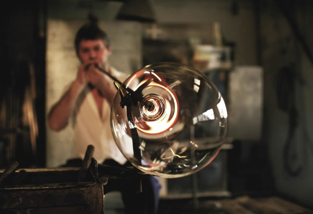 [image] Glass blowing